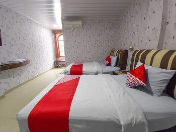 OYO 3196 Hotel Taman Cinta Singkawang - Standard Twin Room Regular Plan