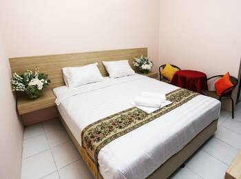 C Stone Hotel Surabaya - Deluxe Double Room Regular Plan