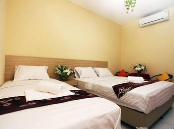 C Stone Hotel Surabaya - Deluxe Triple Room Regular Plan