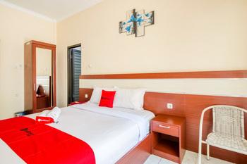RedDoorz Syariah @ Jalan Simpang Gajayana Malang - RedDoorz SALE Room Regular Plan