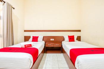 RedDoorz Syariah @ Jalan Simpang Gajayana Malang - RedDoorz Twin Room Regular Plan