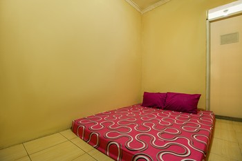 Ungu Kostel Fly Over Kircon Syariah Bandung - Standard Double Room Non Refundable 30% Special Discount