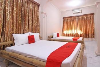 RedDoorz near Pakualaman Yogyakarta - RedDoorz Family Room 3 Persons Last Minute