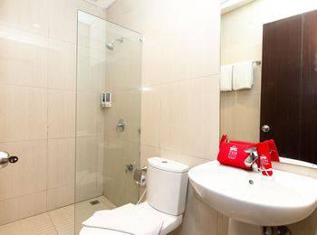 ZenRooms Mataram Catur Warga - Double Room Regular Plan