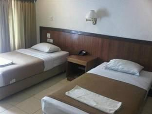 City Hotel Balikpapan - Business Twin Room Regular Plan