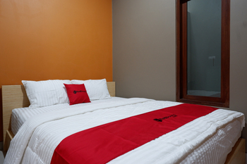RedDoorz Syariah near Stasiun Tegal Tegal - RedDoorz Room Regular Plan