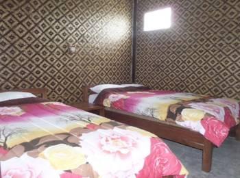 Losmen Adas Probolinggo - Triple Room Shared Bathroom Regular Plan