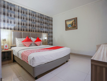 OYO 1282 Feodora Airport Hotel Palembang - Standard Double Room Regular Plan