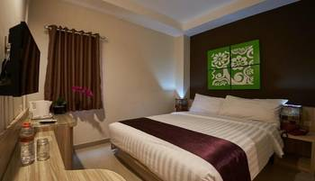 Grand Aularis Hotel Semarang - Deluxe Room Only Regular Plan