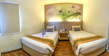 Transera Hotel Pontianak - Deluxe Room Only Regular Plan