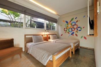 Arah Living (FKA Lokal Hotel) Yogyakarta - Deluxe Family Room Regular Plan