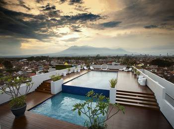 MaxOne Ascent Hotel Malang
