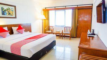 Capital O 1616 Setiabudhi Indah Hotel Bandung - Deluxe Double Room Regular Plan