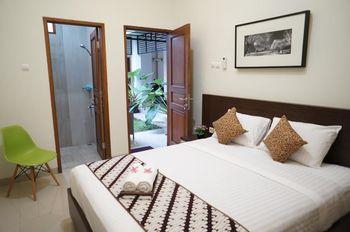 Suryosukoco Homestay Yogyakarta - Superior Room Lt 1 Regular Plan