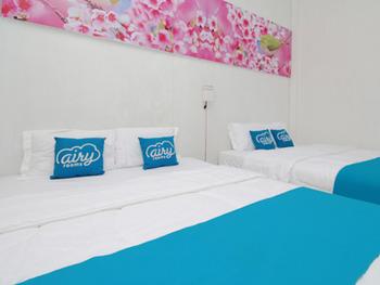 Airy Maguwoharjo Satria Satu Yogyakarta - Standard Family Room with Breakfast Special Promo July 45