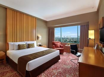Hotel Ciputra Jakarta - Deluxe Queen Room Only Regular Plan