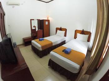 Fendi's Guest House Malang - Deluxe Room Regular Plan