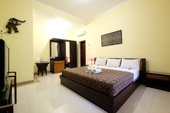 Fendi's Guest House Malang - Yunior Family 1 Room Only Regular Plan