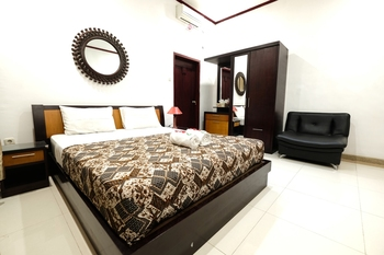 Fendi's Guest House Malang - Yunior Family 2 Room Only Regular Plan