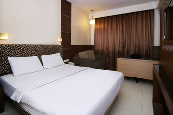 Sky Hotel Mangga Besar 1 Jakarta Jakarta - Deluxe Double Room Only Regular Plan