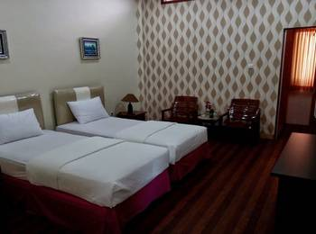 Hotel Limoes Mataram - Standard Room Regular Plan