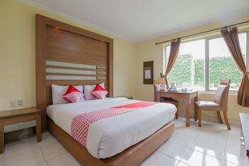 OYO 918 Hotel Senen Indah Syariah Jakarta - Deluxe Double Room Regular Plan