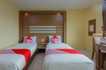 OYO 918 Hotel Senen Indah Syariah Jakarta - Deluxe Twin Room Regular Plan