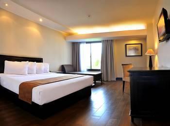 Hotel Santika Cirebon - Deluxe Room King Regular Plan