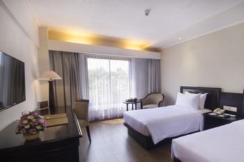 Hotel Santika Cirebon - Superior Room Twin Offer 2020 Last Minute Deal