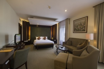 Hotel Santika Cirebon - Deluxe Suite Room King Offer Last Minute Deal