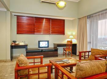 Bali World Hotel Bandung - Executive Room Main Building (King Bed Only) 01 Jun - 30 Nov Save IDR 165.000