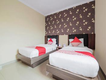 OYO 308 Grand Pacifik Hotel Makassar - Deluxe Twin Room Regular Plan