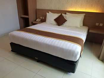 Doho Homestay Jember - Deluxe Executive Room Regular Plan