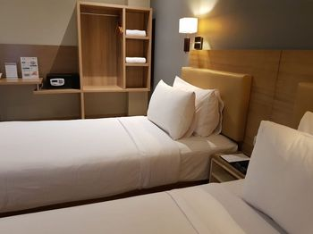 U Stay Hotel Mangga Besar Jakarta - Deluxe Without View Room Only Flash Sale - 50%
