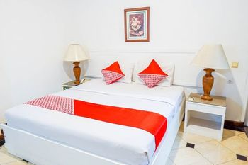 OYO 1452 Hotel Utari Bandung - Deluxe Double Room Regular Plan