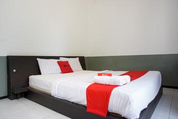 RedDoorz near Paralayang Batu Malang - RedDoorz RoomRedDoorz SALE 125k KETUPAT