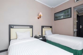 Hotel Yasmin Makassar - Standard Twin Room Regular Plan