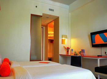 HARRIS Waterfront Batam - HARRIS Twin Room Only Regular Plan
