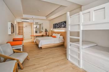 HARRIS Waterfront Batam - HARRIS Family Room Only Regular Plan