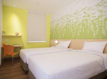 Zest Hotel Jemursari Surabaya - Zest Twin Room Staycation