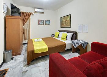Lite Rooms Bogor Guest House Bogor - Deluxe Regular Plan