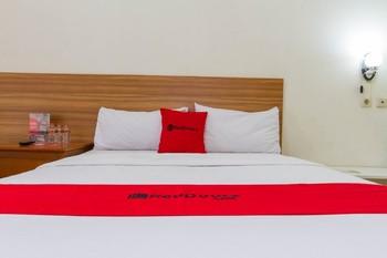 RedDoorz Plus @ Surapati 2 Bandung - RedDoorz Room 24 Hours Deal
