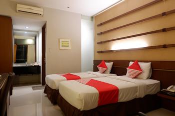 Capital O 874 Hotel Nyland Pasteur Bandung -  Deluxe Twin Room Regular Plan