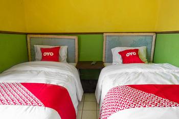 OYO 1719 Penginapan Rizky Pasuruan - Standard Twin Room Regular Plan
