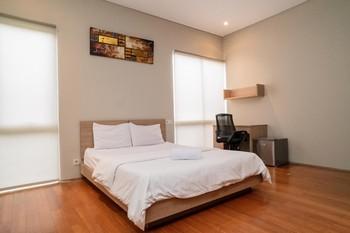 3J Home Lippo Karawaci Tangerang - Deluxe Room KETUPAT