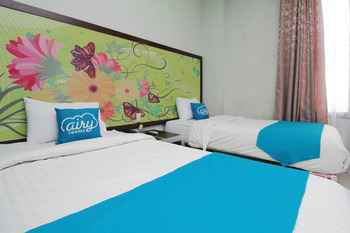 Airy Syariah Medan Sunggal MICC Gagak Hitam 92 - Grand Deluxe Twin Room Only Special Promo Jan 5