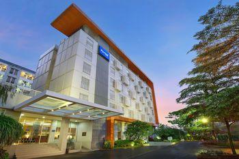 Kyriad Hotel Airport