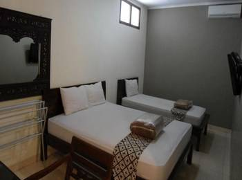 Ndalem Suratin Guest House Yogyakarta - Family Room Regular Plan
