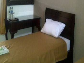 Ndalem Suratin Guest House Yogyakarta - Chrysant Single Room Regular Plan