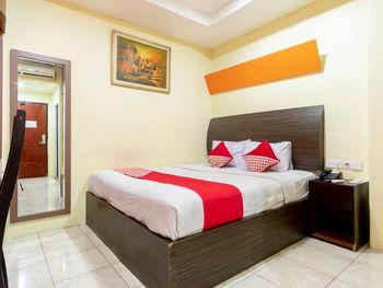 Capital O 2023 Medan Ville Hotel Medan - Standard Double Room Regular Plan